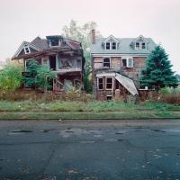 157_100-abandoned-houses.jpg